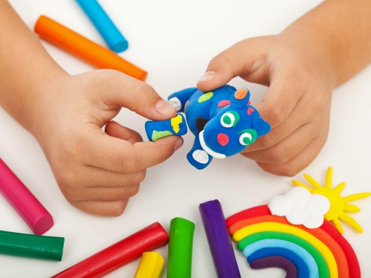 There are plenty of easy art tasks young kids can do