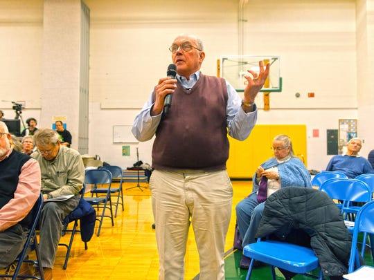 Dan Burks asks for dissenting School Board views.