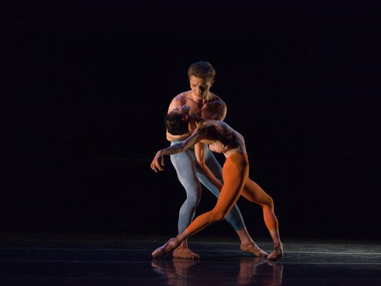 14 Louisville Ballet_What Light is to Our Eyes by Lucas Jervies_Kristopher Wojt.