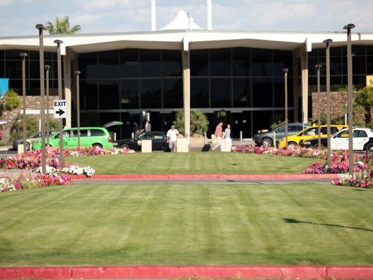 TDS Airport Lawn001.JPG