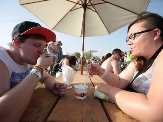 TDS FD Coachella Food Part 2009.JPG