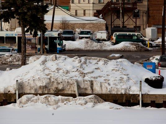 PTH0305 SNOW POLLUTION