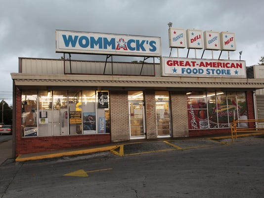 wommacks.01.JPG