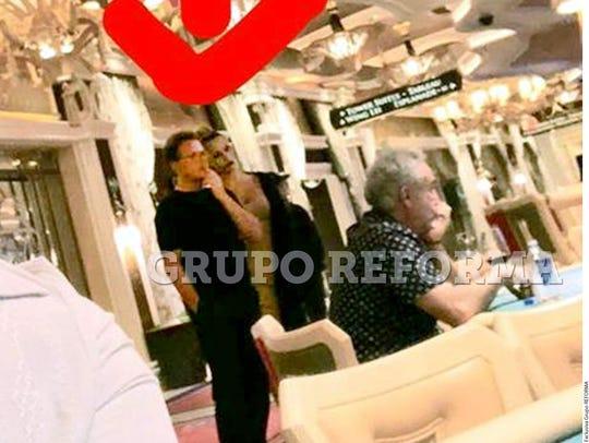 Luis Miguel (centro) se encuentra en Las Vegas para