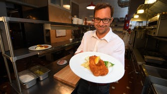 Chef Eduard Frauneder shares an authentic Austrian Wiener Schnitzel recipe.