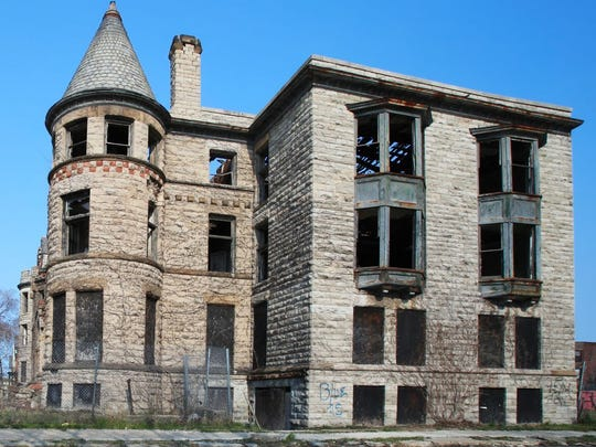 abandoned-brick-house-detroit-michigan.jpg