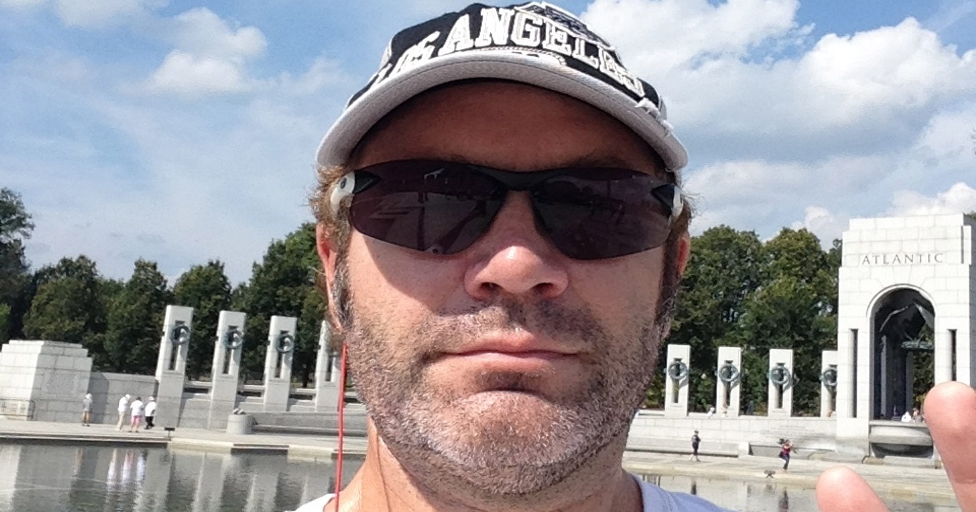 Five for Fighting singer: Booted from Jefferson Memorial