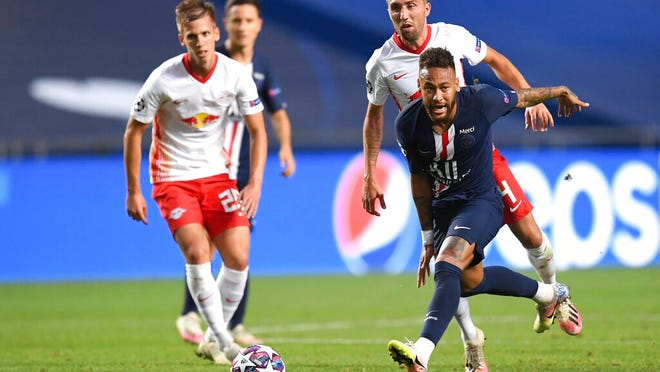 PSG's Neymar, right, challenges for the ball with Leipzig's Kevin Kampl during the Champions League semifinal soccer match between RB Leipzig and Paris Saint-Germain at the Luz stadium in Lisbon, Portugal, Tuesday, Aug. 18, 2020.