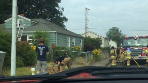 Firefighters responded to a small house fire on Monday morning in northeast Salem.