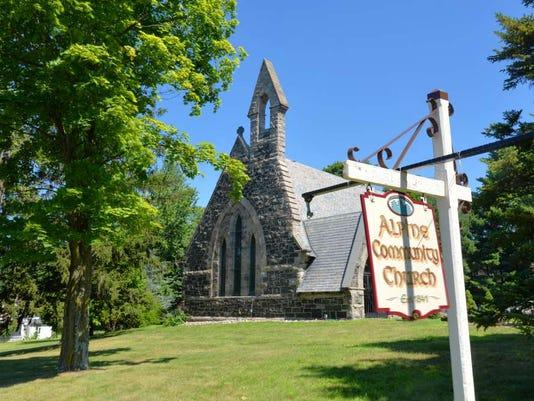 081816-su-church.jpg