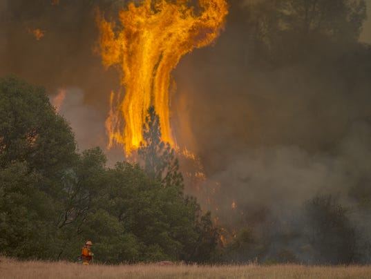 BESTPIX - Butte Fire Southeast of Sacramento Continues to Burn and Threaten Homes