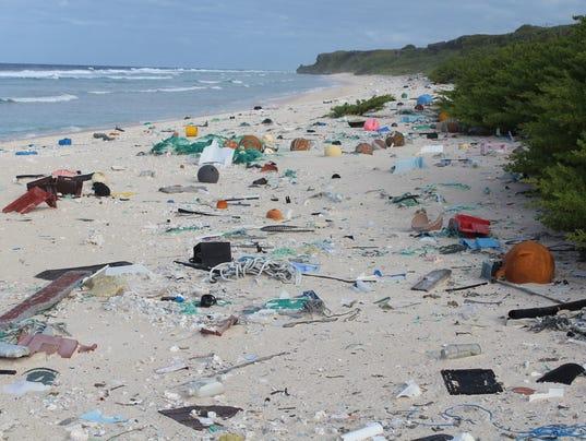 EPA BRITISH OVERSEAS TERRITORIES HENDERSON ISLAND PLASTIC WASTE ENV POLLUTION ENVIRONMENTAL POLLUTION WASTE --- BR
