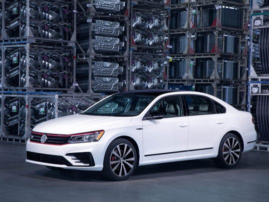 636513020859375614-2018-Volkswagen-Passat-02.jpg