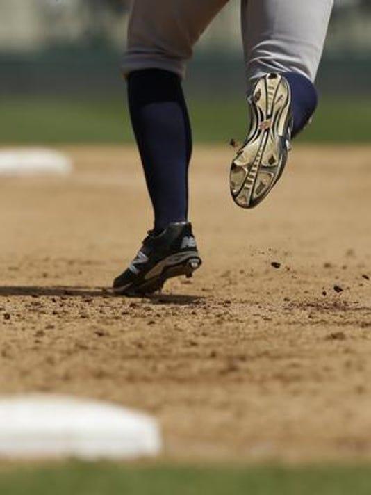 635998094177233104-baseball.jpg