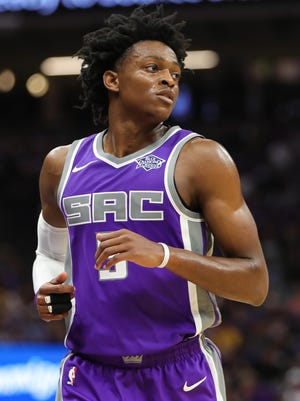 Sacramento Kings guard De'Aaron Fox (5) during the game against the New Orleans Pelicans at Golden 1 Center.