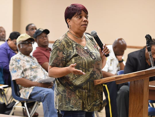 Sandra Davis addresses the Board of Aldermen during