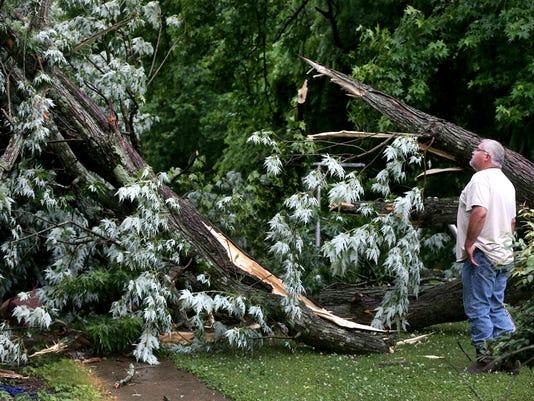 636016162113603589-02-Storm-damage.jpg