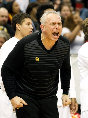 Dave Thorson, who guided his DeLaSalle High School team to nine Minnesota Class 3A state titles, yells instruction to his team during a 2015 game. Thorson was an assistant coach at Drake last season and is following head coach Niko Medved to CSU.