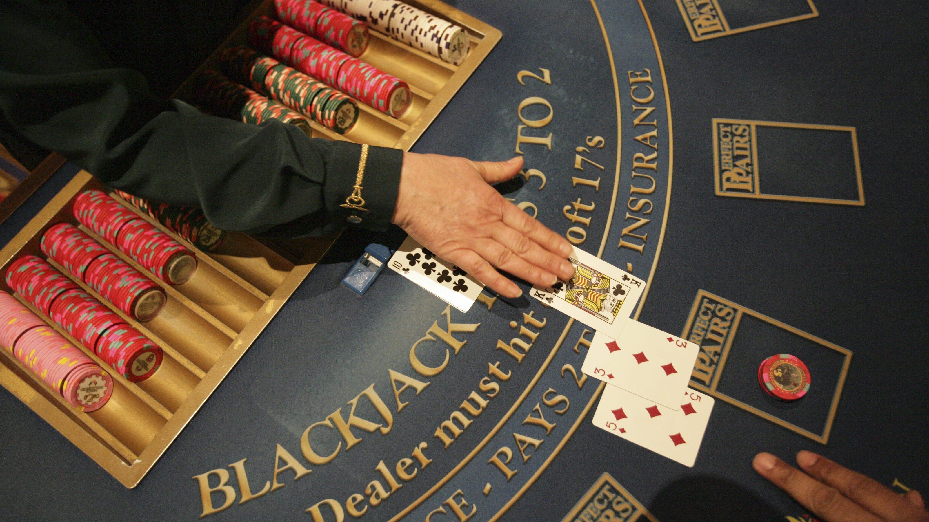 Blackjack when to split 10s
