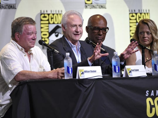 William Shatner, Brent Spiner, Michael Dorn, Jeri Ryan