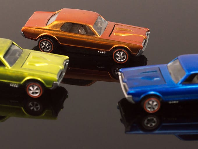 This three-piece 1968 Hot Wheels Redlines Custom Cougar