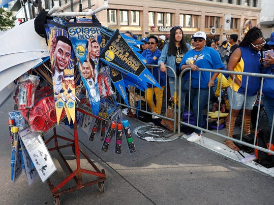 Warriors_Parade_Basketball_11601.jpg