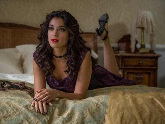 Stephanie Sigman is the mysterious Estrella in 'Spectre.'