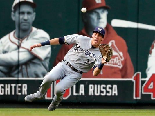636702290879715731-AP-Brewers-Cardinals-Baseball.5.jpg