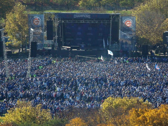 Cubs Fans Flock To World Series Parade The Wait Is Over