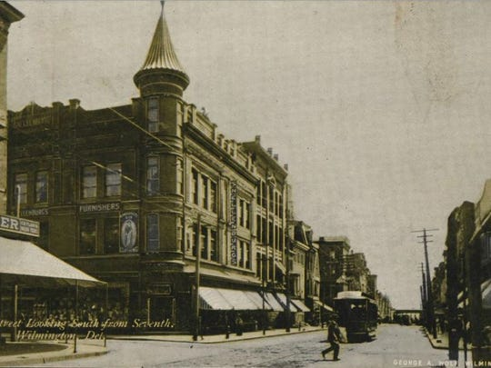 This postcard shows the former N. Snellenburg Co. Department Store at the corner of Market and Seventh streets in Wilmington.