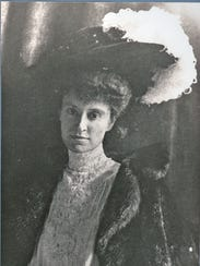 Alice Delafield Clarkson Livingston is shown in Paris,