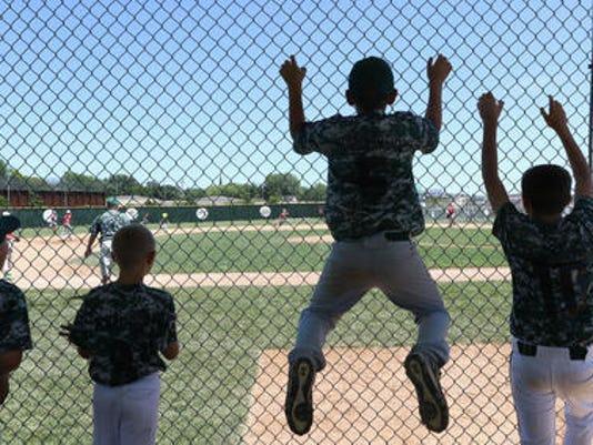 636251724157240027-small-town-baseball.jpg
