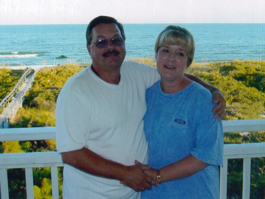 636373694975202169-mom-and-dad.jpg
