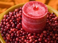 DIY: Cranberry Recipes and Holiday Decor