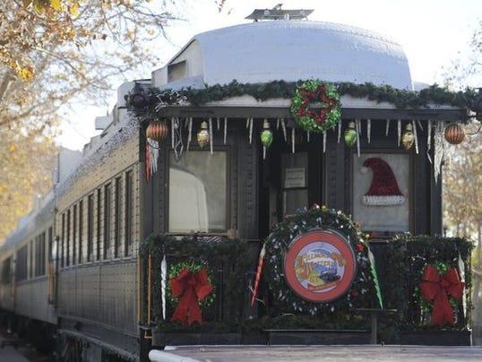 Fillmore-Western-Christmas-trains.jpg