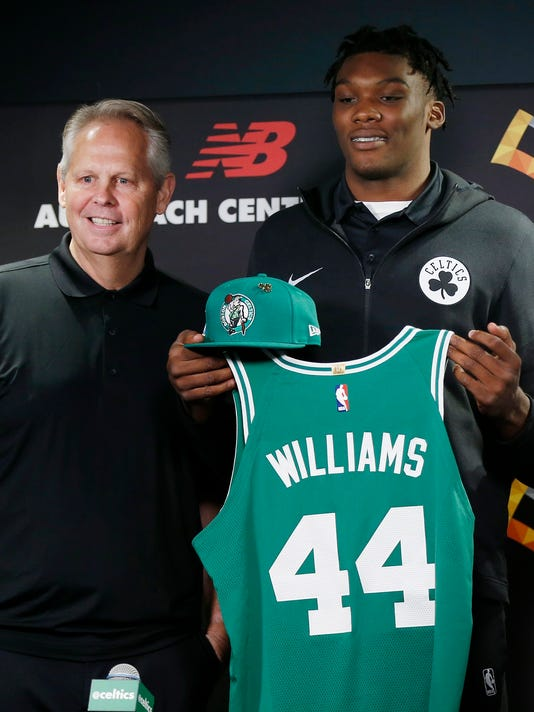 AP CELTICS WILLIAMS BASKETBALL S BKN USA MA