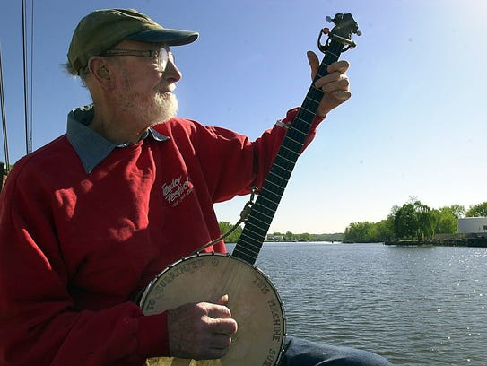 In 2001, Pete Seeger played the banjo aboard the Hudson