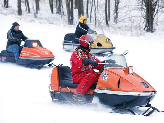 635888194047745477-FON-011616-snowmobile-2.jpg