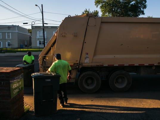 LEDE-sanitation-workers01.jpg
