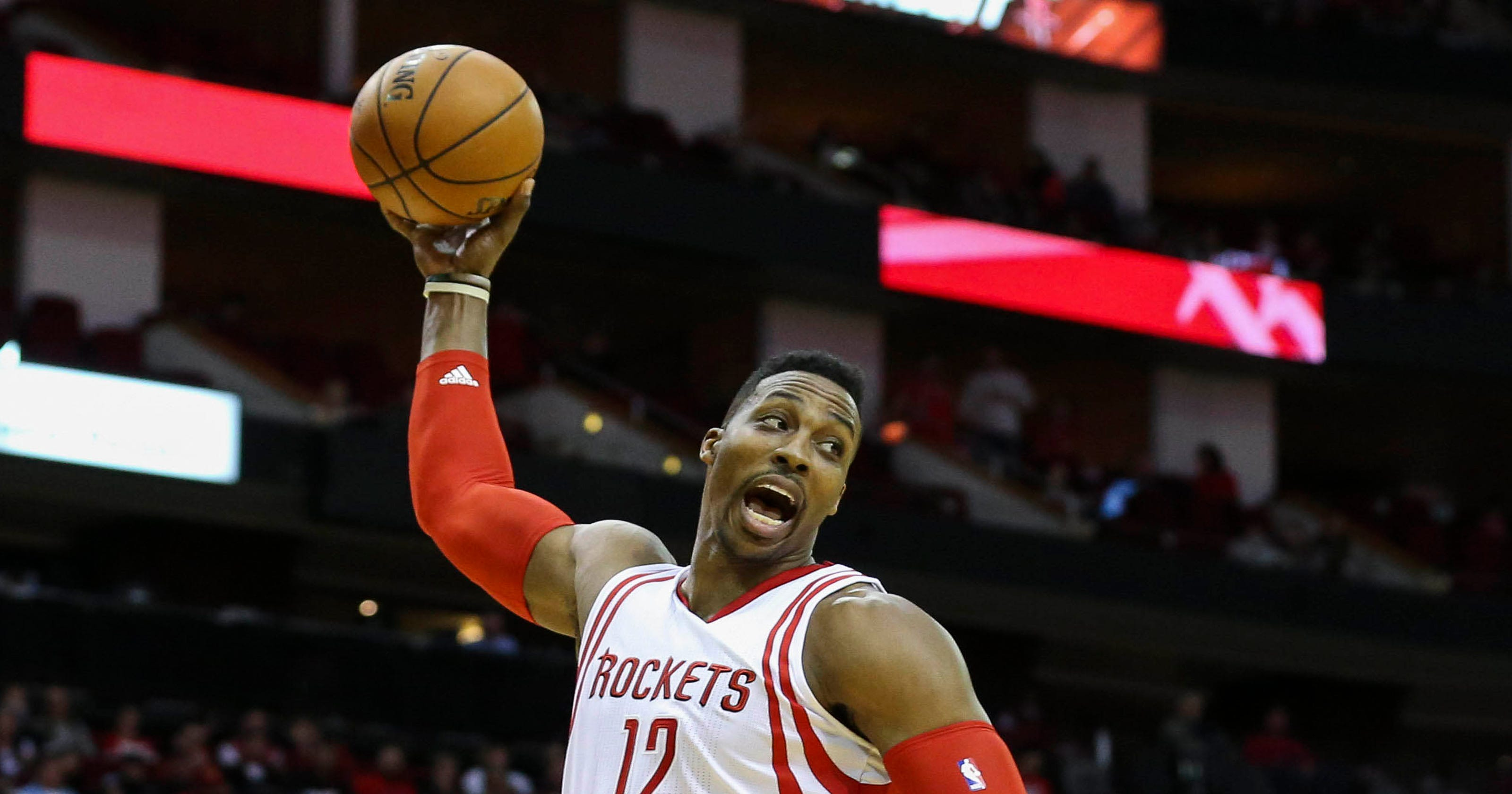 5c9cdbd64cbb Dwight Howard believes he can be dominant again
