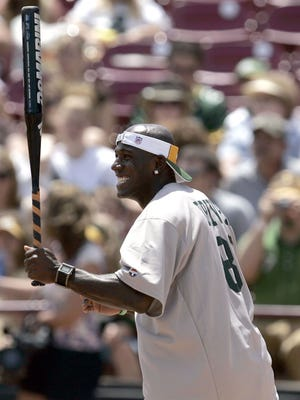 Donald Driver will host a softball game on Sunday as part of his thank you tour to Packers fans.