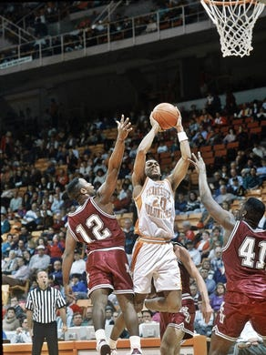 1c76c6276 Allan Houston in a game against Mississippi State on