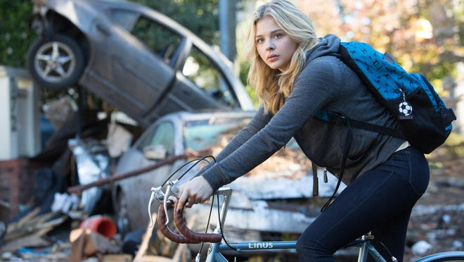"Chloe Grace Moretz stars in ""The Fifth Wave."""