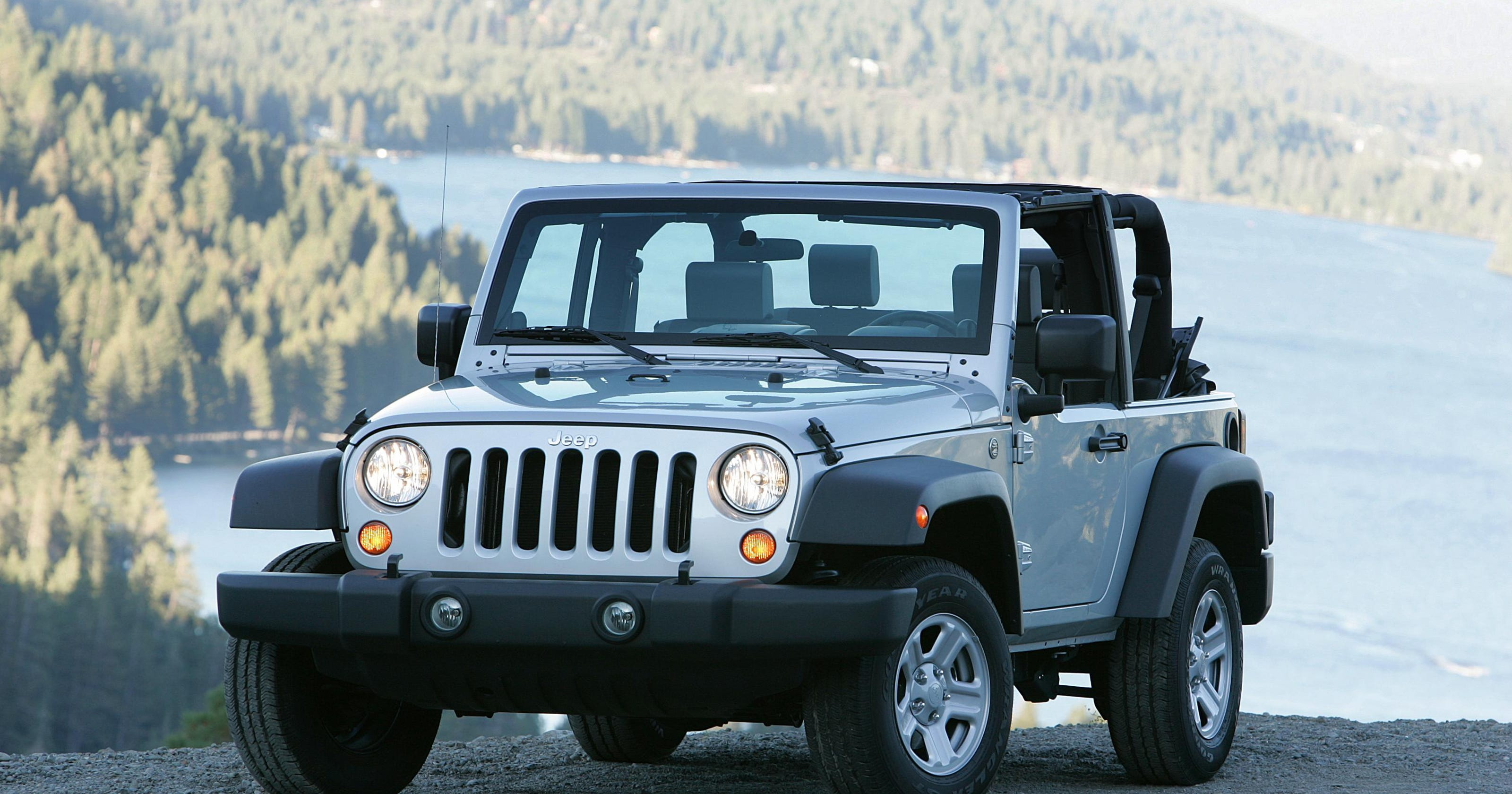 Fiat Chrysler recalling 500,000 Jeep Wranglers