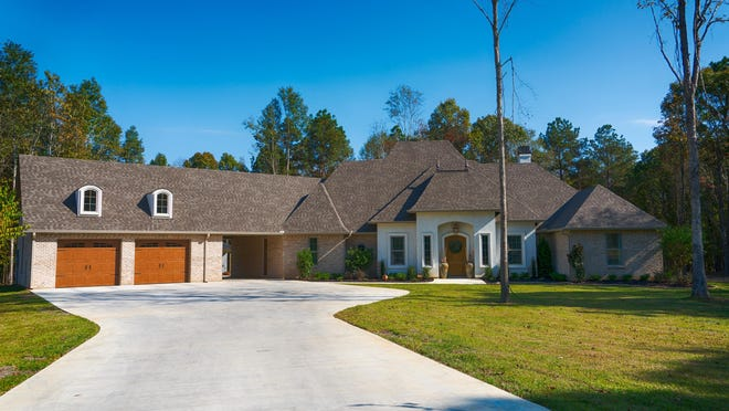 Beautiful new construction in West Monroe designed and built by Chris Johnson Construction.