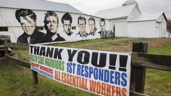 A Thank you banner at Manno Farm in Warwick.