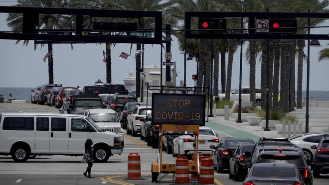 The intersection of A1A and Las Olas is seen Sunday. Broward County announced it is joining Miami-Dade County and closing beaches on the Fourth of July Weekend.