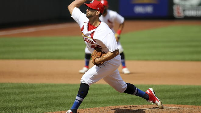 Adam Wainwright delivers during the fifth inning.