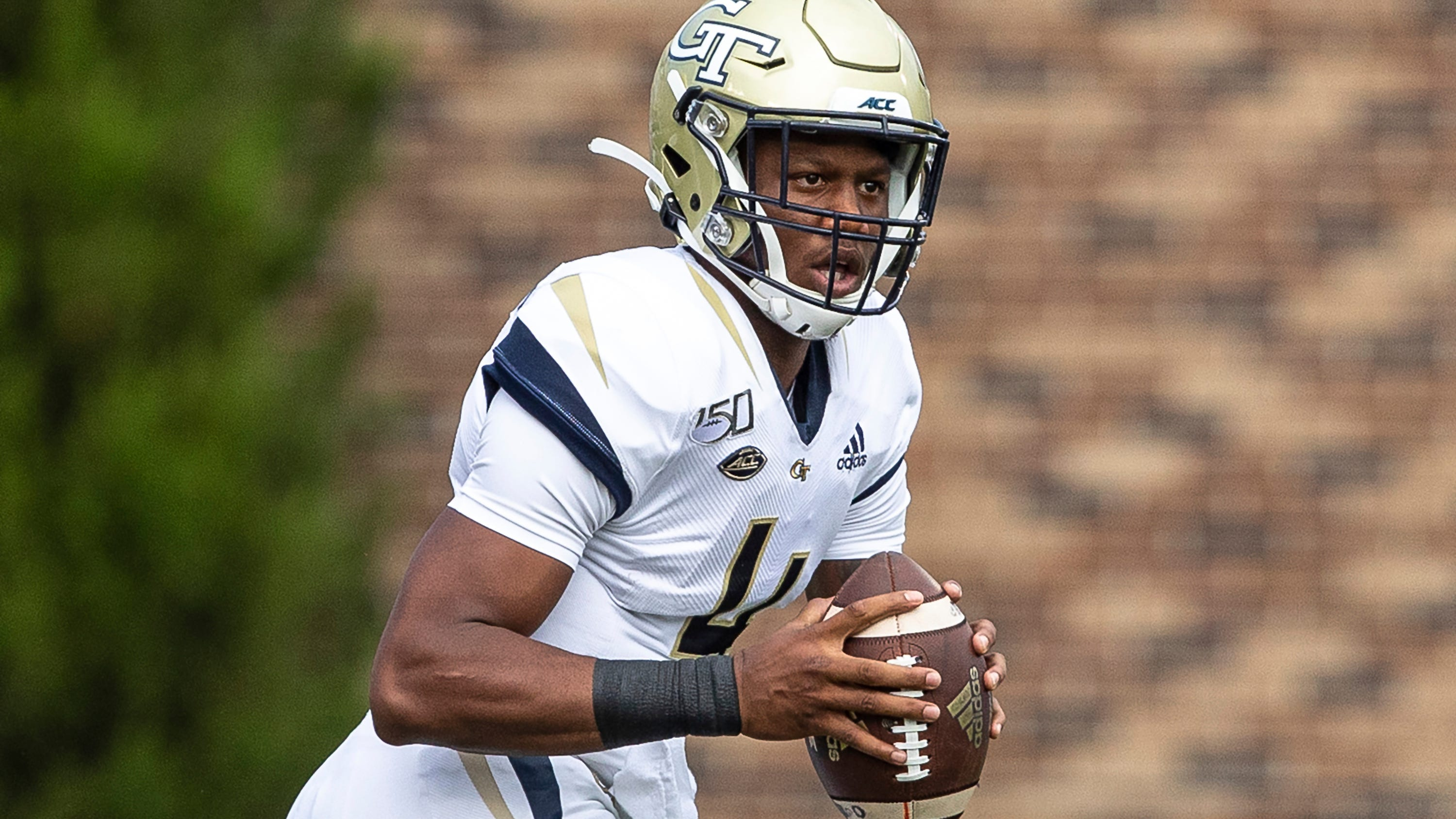 Sims Looks To Lead Ga Tech To Another Upset Vs No 14 Ucf