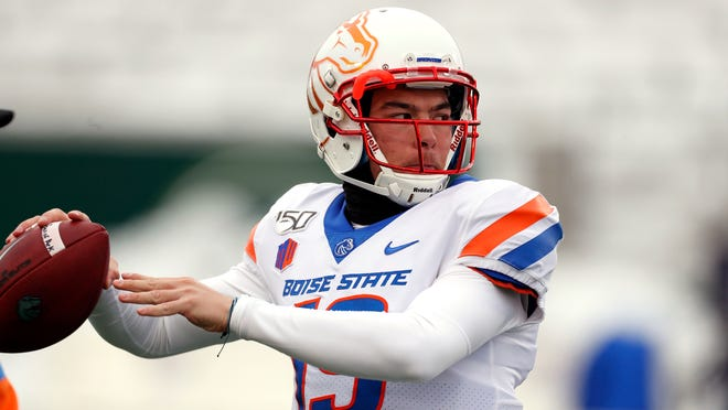 Boise State quarterback Hank Bachmeier (19) and the Broncos remain as the team to beat in the Mountain West.